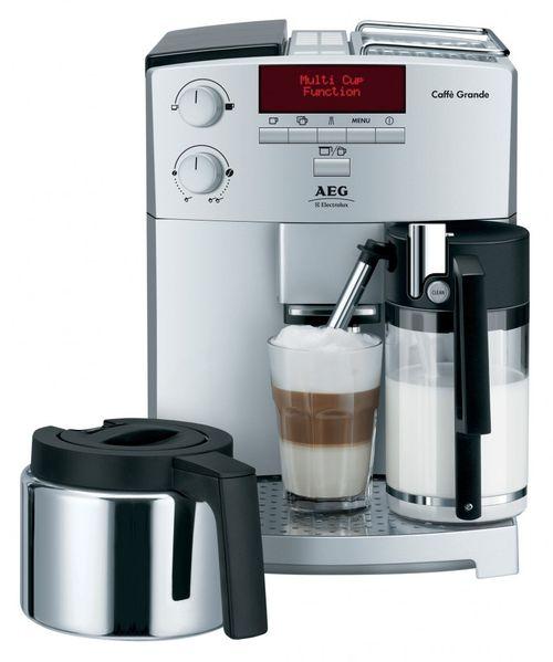 Практичная кофемашина AEG