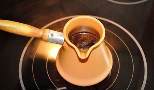 Кофе в турке на индукционной плите