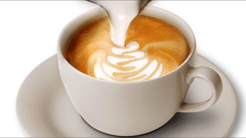 Рисование узора на кофе